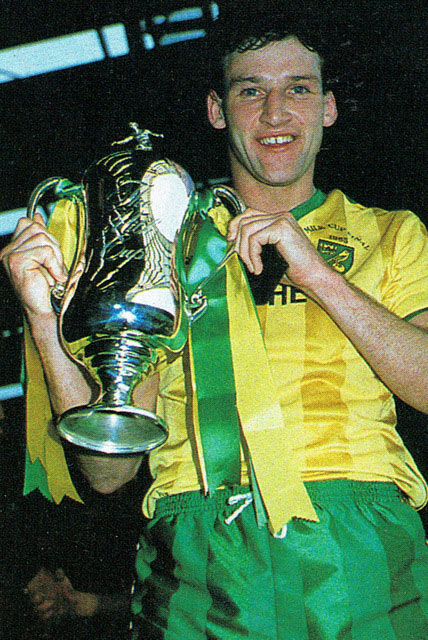 Dave Watson with the 1985 Milk Cup